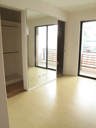 FOR SALE: Apartment / Condo / Townhouse Manila Metropolitan Area > Pateros 8