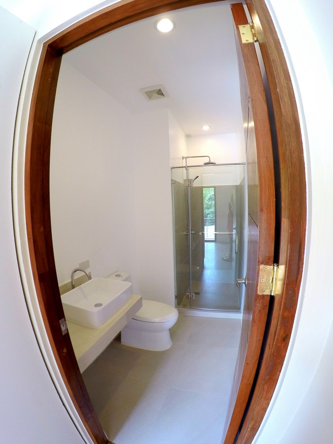 Toilet & Bath of Masters bedroom