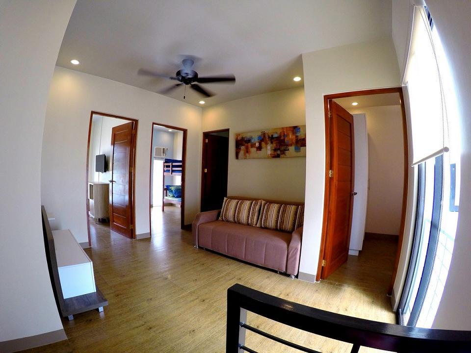Master Bedroom Form to Living (Open All Rooms Door)