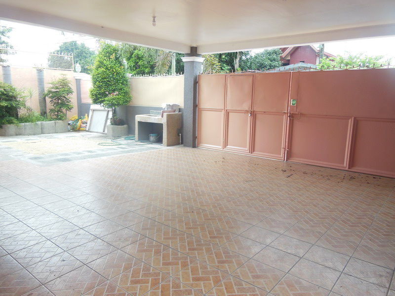 FOR SALE: House Pampanga