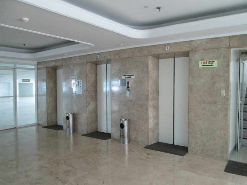 FOR RENT / LEASE: Office / Commercial / Industrial Manila Metropolitan Area > Makati 6