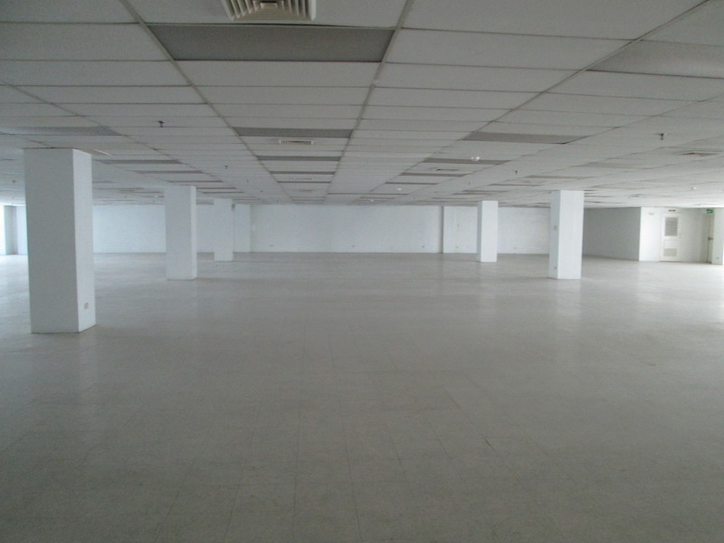 FOR RENT / LEASE: Office / Commercial / Industrial Manila Metropolitan Area > Makati 5