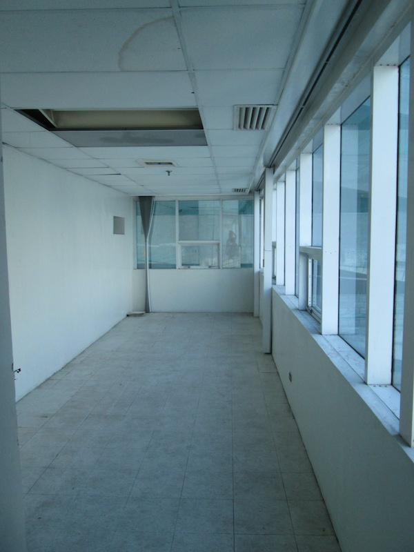 FOR RENT / LEASE: Office / Commercial / Industrial Manila Metropolitan Area > Makati 2