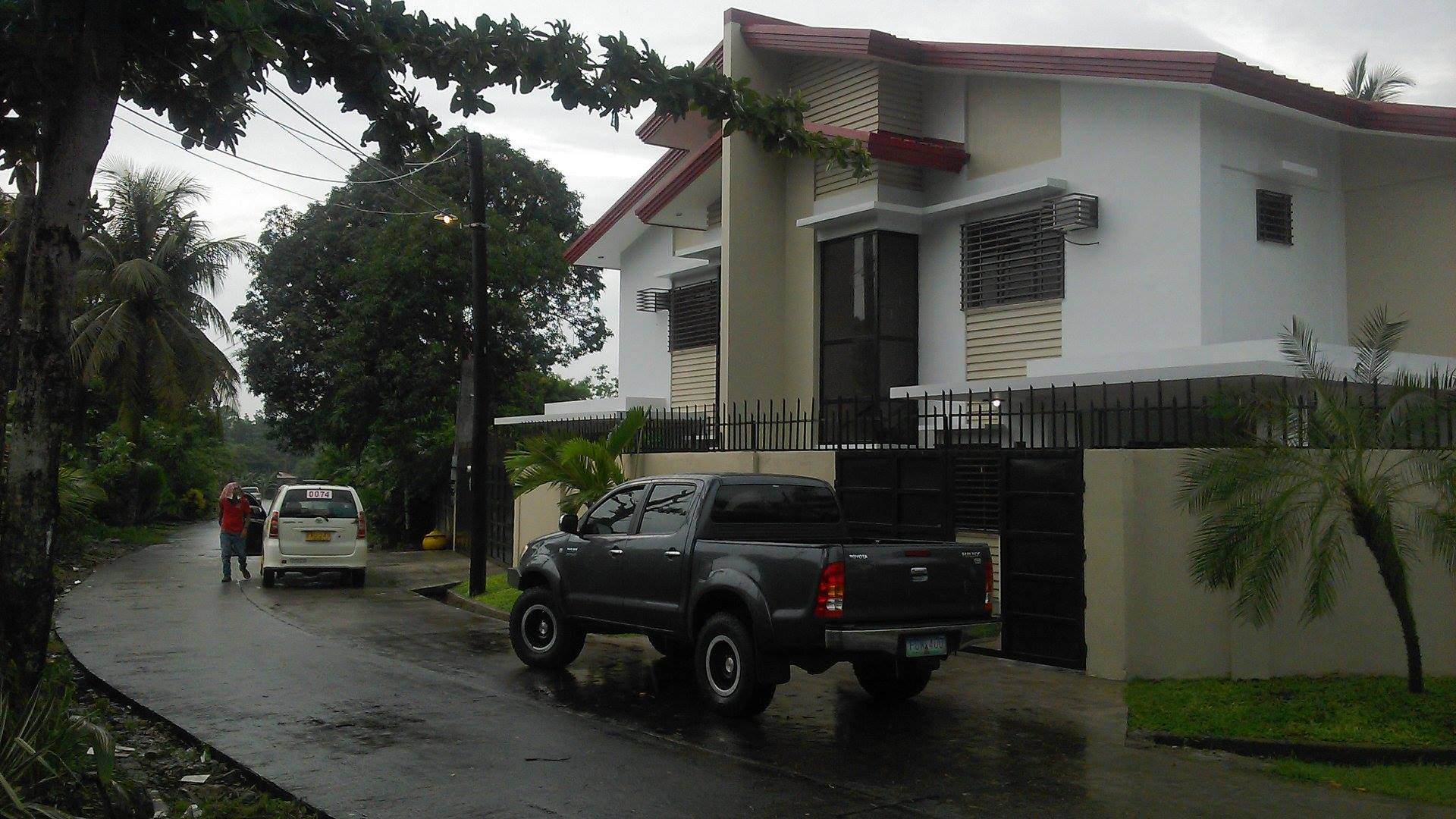 FOR RENT / LEASE: House Negros Occidental > Bacolod City
