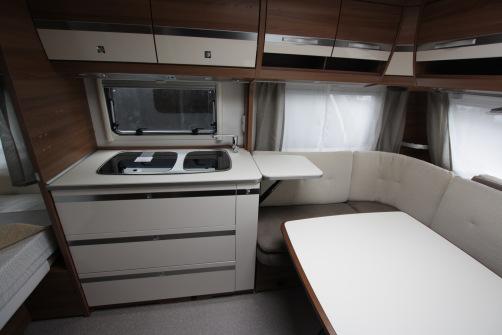 Dethleffs Nomad 740 RFK, alde, 3:lle kerrospedit, parivuode