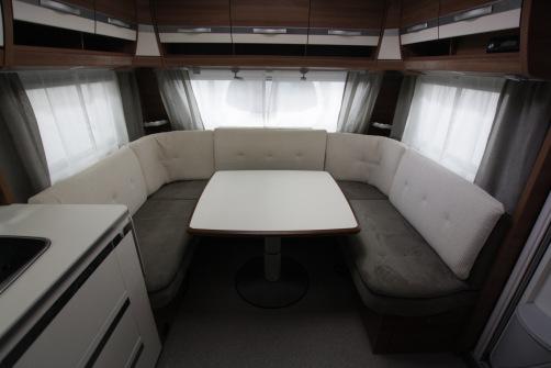 Dethleffs Nomad 560 RET, alde, taka wc/suihku,erillispedit