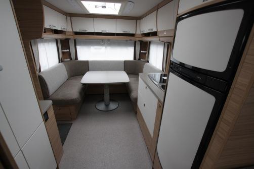 Dethleffs Camper 730 FKR, alde, 2:lle kerrospedit, parivuode