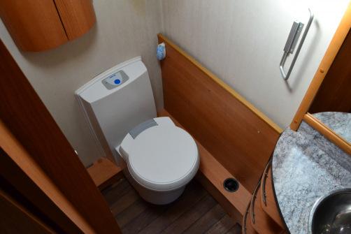 Cabby 700+, alde,erillisvuoteet,pesuhuone/wc takana