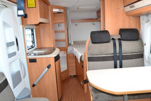 Dethleffs Globebus I 2 Active ALVillinen, kaksi parivuodetta