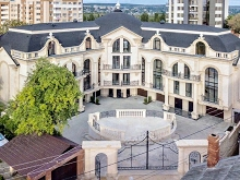 Rоyal French Residence