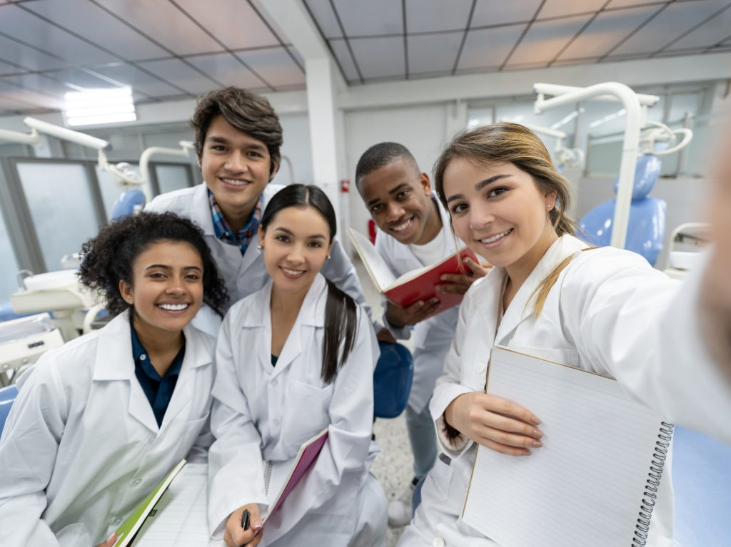 dental students in dentistry class