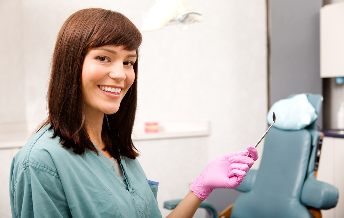 What Does a Dental Assistant Do? – PCI Health