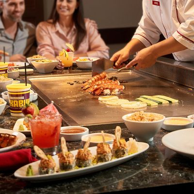Benihana_Guests-Sitting-at-the-grill