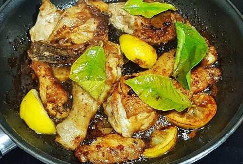 Carne di pollo sfumato con mirin