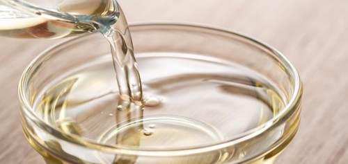 Miscela di vino bianco secco e zucchero in sostituzione del mirin