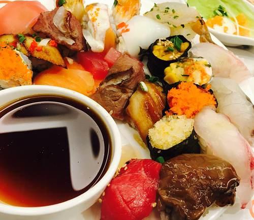 Miscela di salsa di soia e mirin per accompagnare sushi e sashimi