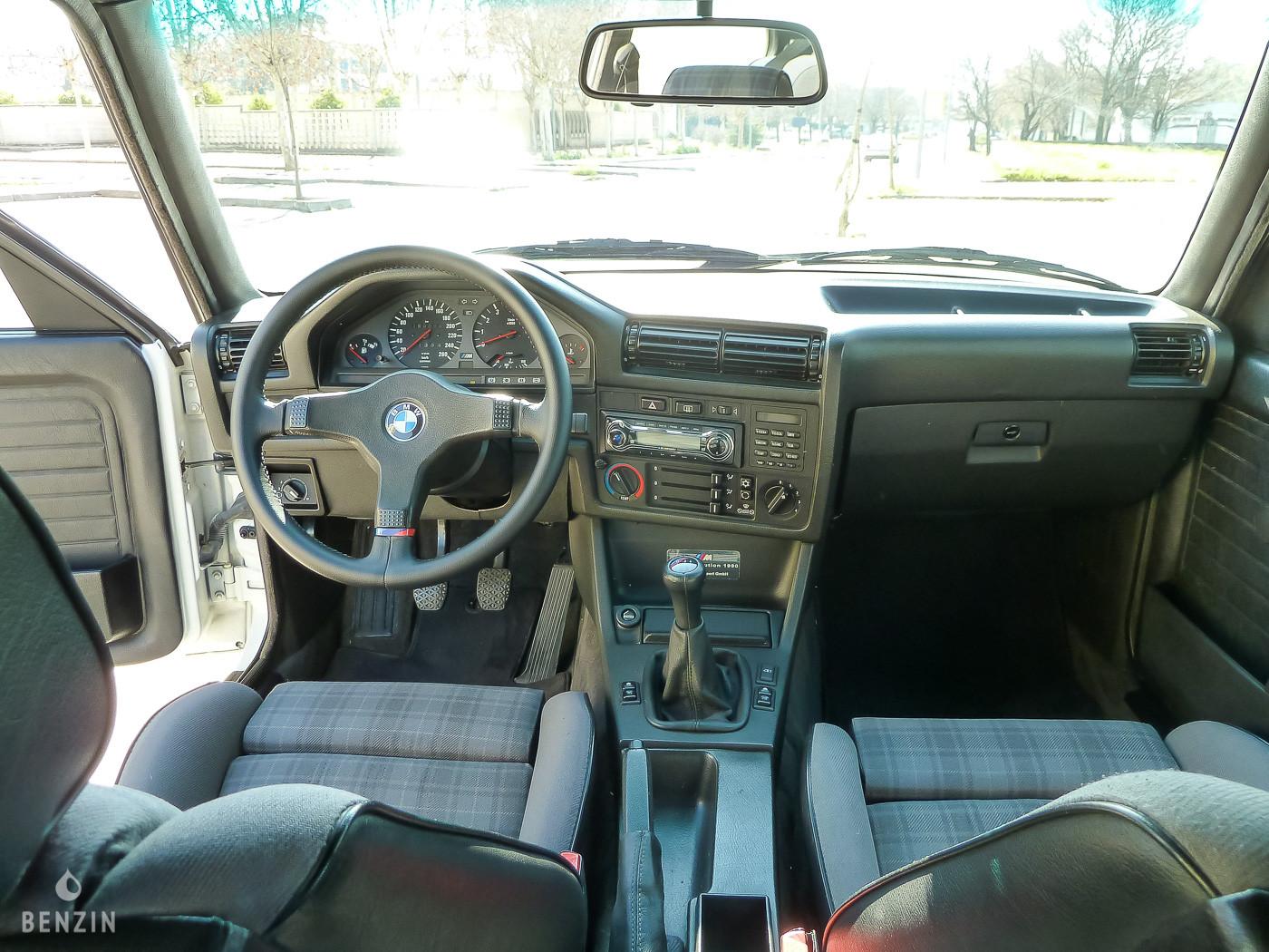 BMW M3 e30 intérieur