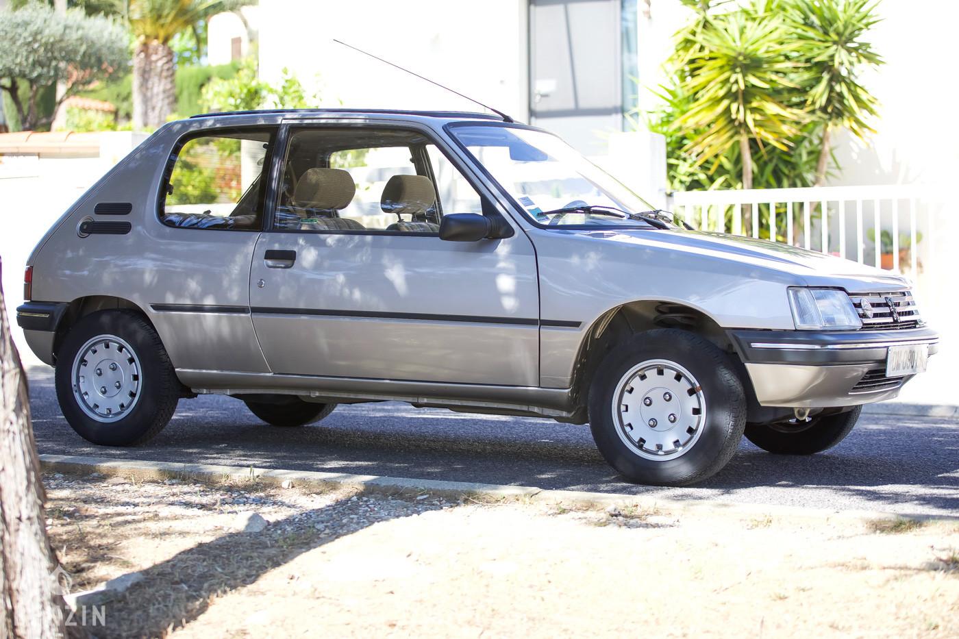 Peugeot 205 Automatic occasion à vendre se vende for sale low miles te koop new