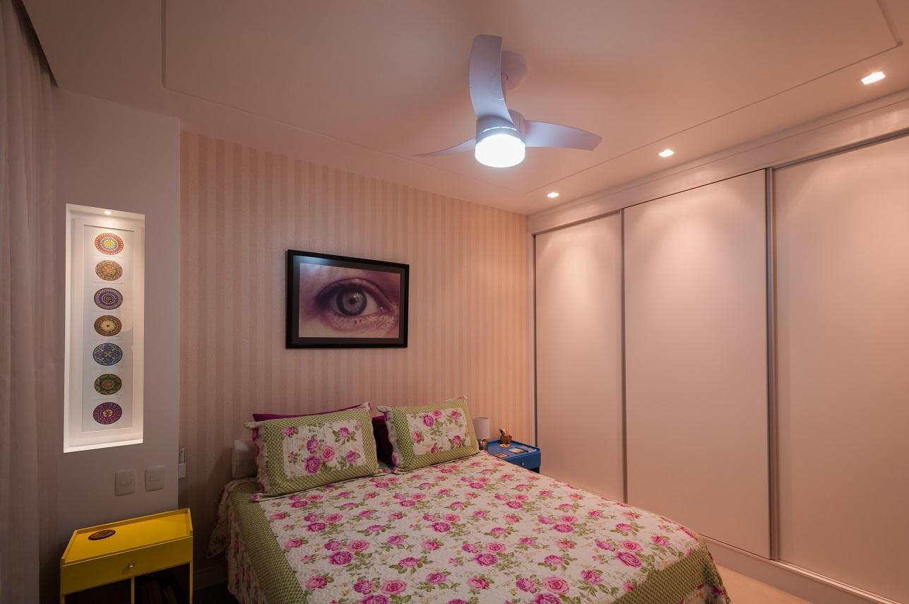 Reforma com decoração criativa transforma apartamento antigo