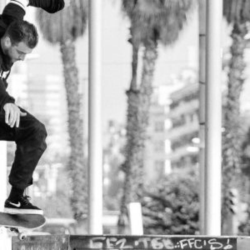 image: Skateboarding and graffiti per a infants