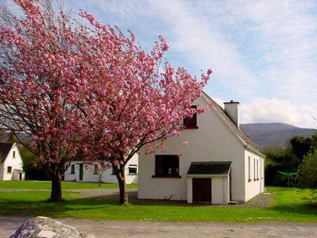 killarney-lakeland-cottages-dinis-cottages