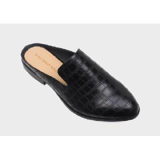 Women's Shoes, Boots, Sandals, Rain Boots & Mules, 144 Pairs, New Condition, Est. Original Retail $4,248, Huntsville, AL