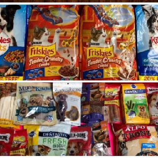 Assorted Dog & Cat Snacks, Food, In Date & Out of Date, 350 Units, Salvage Condition, Est. Original Retail $2,450, Philadelphia, PA