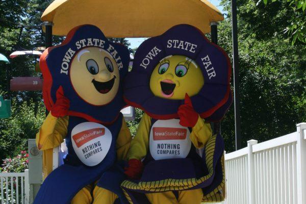 Iowa State Fair mascots, Fairfield and Rosetta.
