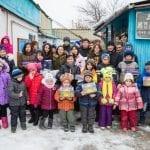 Dankbare Kinder und Familien