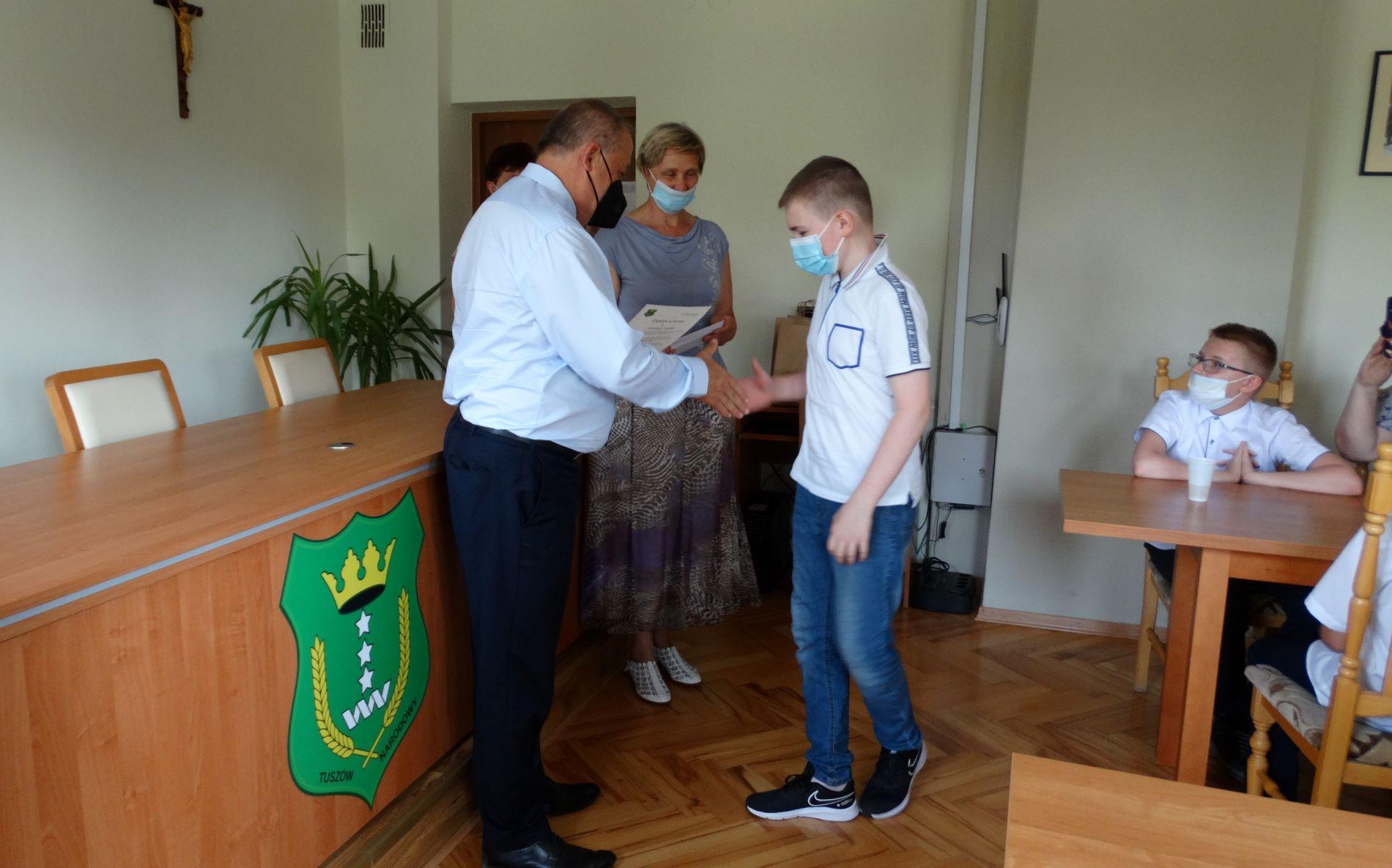 Nagrody dla uczniów gminy Tuszów Narodowy