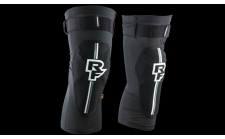 Raceface INDY Knee Stealth with D3O