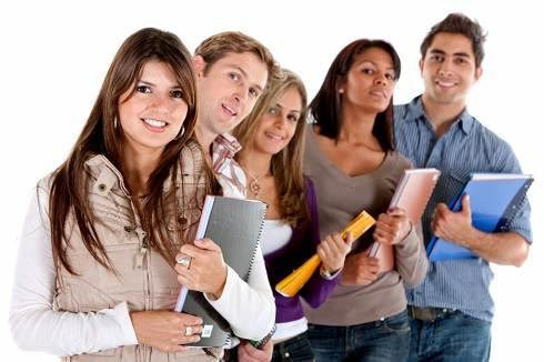 Student loan servicers | College students smiling