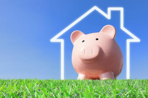 A piggy bank in a house wondering what his best option for refinance is, including no cost rei