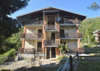 Foto 1 di Stabile - Palazzo via Alpi Graie, Frassinetto