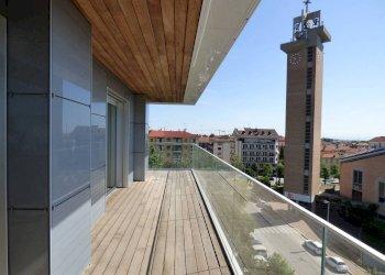 appartamenti NUOVI con TERRAZZO, liberi su 2 e 3 lati corso Vittorio Emanuele II 4