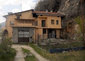 Borgo S.D. rustico indipendente con bilocale ristrutturato