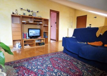 Borgo SD, recente appartamento mansardato arredato