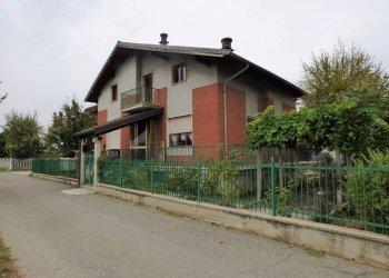Centallo, Roata Chiusani, villa indipendente da risistemare