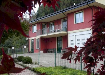 12 km da Cuneo, grande villa con B&B via Aldo Bruno