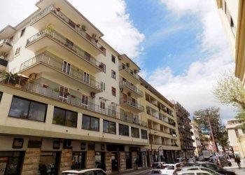 Foto 1 di Appartamento via Roma, 74, Caserta