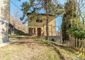 Foto 1 di Villa via Ca di Franchi, frazione Affrico, Gaggio Montano