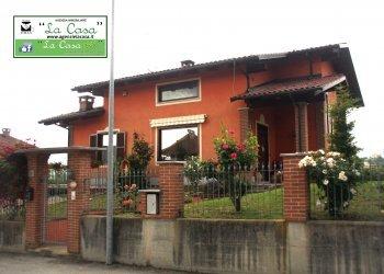 Foto 1 di Villa Via San Rocco, 4, Cantarana