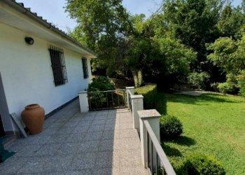 Foto 1 di Villa strada Vandera, Revigliasco D'asti