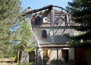Foto 1 di Villa Unifamiliare loc. Trepidò, Cotronei