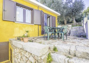 Foto 1 di Villa a Schiera vicolo stretto, Posada