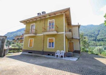 Foto 1 di Villa via Roggie, Pont-Canavese