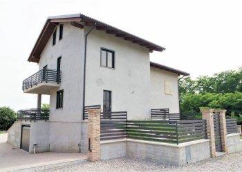 Foto 1 di Villa via Circonvallazione, Montalenghe