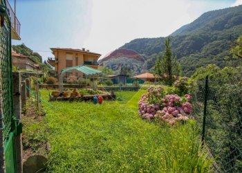Foto 1 di Villa via Roggie, 11, Pont-Canavese
