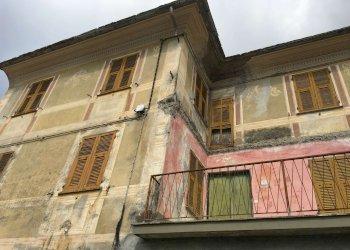 Foto 1 di Rustico borgo Via Lezzaruole s.n.c, Neirone