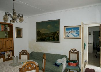 Foto 1 di Casa indipendente via Camorano, Chivasso